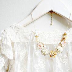 14K GF Blush Floral Charm Necklace von NestPrettyThingsShop auf Etsy, $52,00