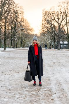 How to Look Chic in the Snow / Rue Rodier http://www.ruerodier.com/ruerodier/2018/2/9/how-to-look-chic-in-the-snow Paris Acne Studios Russell & Bromley ATP Atelier