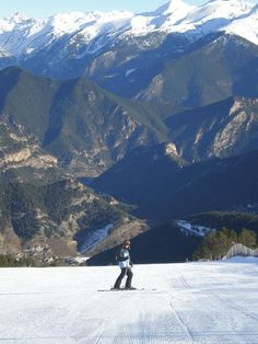 Skiing in Arinsal - Andorra