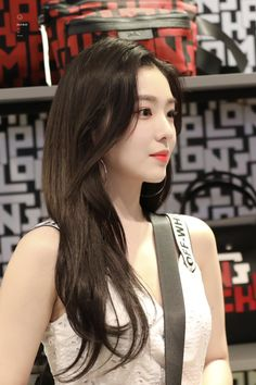 Irene - 'Longchamp LGP' Collection Pop-up Store Opening Red Velvet Seulgi, Red Velvet Irene, Kpop Girl Groups, Kpop Girls, Korean Beauty, Asian Beauty, Red Velvet Photoshoot, Red Velet, Velvet Wallpaper