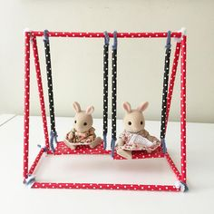 A swing set we made today for the toys from straws and pipe cleaners #diytoys