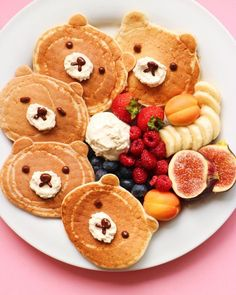 """""""Nothing like bear pancakes to put a smile on your face. Happy Sunday, all. Cute Food, Good Food, Yummy Food, Baby Food Recipes, Cooking Recipes, Food Art For Kids, Cute Desserts, Breakfast For Kids, Cute Breakfast Ideas"""