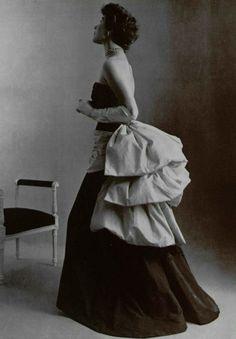1951Elsa Schiaparelli