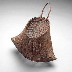 Jawun (Bicornual basket] 19th - 20th Century  Sculpture, Fibre object, lawyer cane