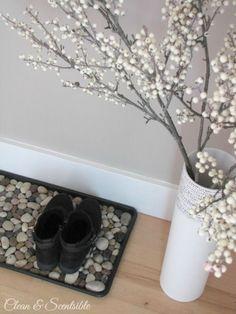 Por que tirar os sapatos para entrar em casa? E como os acomodar?