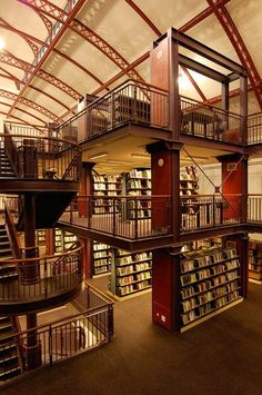 Ok not a home library. But all cool libraries can be inspirations. The Central Library in Cape Town, South Africa. Built inside the Old Drill Hall. Beautiful Library, Dream Library, Library Books, The Library, Personal Library, Central Library, Home Libraries, Public Libraries, Book Nooks