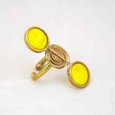 Double clic Bague ronde email jaune dorée réglable par Stephane Szendy, €53 - http://www.stephane-szendy.com/article-94-Boutique_en_ligne_de_stephane_szendy.html  Double clic  Bague ronde jaune dorée réglable par StephaneSzendy, €53.00