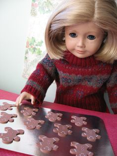 American Girl Dolls : Image : Description A Doll for all Seasons: Easy to Make: A Doll-Sized Cookie Sheet with Gingerbread Men! American Girl Outfits, American Girl Crafts, American Girls, Ag Doll Clothes, Doll Clothes Patterns, Doll Patterns, Crafts For Girls, Diy For Girls, Doll Crafts