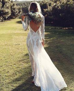 """8,426 Likes, 49 Comments - Santte Estilo (@santteestilo) on Instagram: """"#SantteBride As texturas espalhadas pelo vestido de noiva fazem parte da categoria de 'detalhes que…"""""""