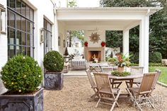 Design by Suzanne Kasler | Photography by Erica George Dines | Atlanta Homes & Lifestyles |