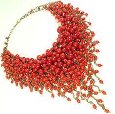 Купить Клюквенное Парфе. Колье из красных натуральных кораллов - ярко-красный, красный, клюква, клюквенный