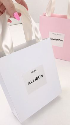Bridesmaid's gift bag with custom names. Personalized Bride Gifts and favors for Bridal shower, Hen party, Hen weekend, Bachelorette party Bridesmaid Gift Bags, Wedding Gift Bags, Party Gift Bags, Personalized Bridesmaid Gifts, Bridesmaid Proposal, Wedding Welcome Bags, Wedding Favors, Good Wedding Gifts, Bridesmaid Gifts From Bride