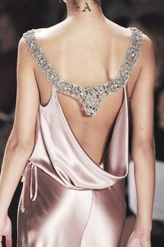 Monique Lhuillier #diy #diyqueen