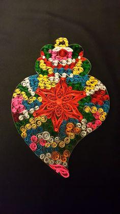 Coração de Viana- quilling Portuguese Culture, Portugal Travel, All Craft, Paper Quilling, Art School, Paper Art, Tatoos, Embroidery, Christmas Ornaments