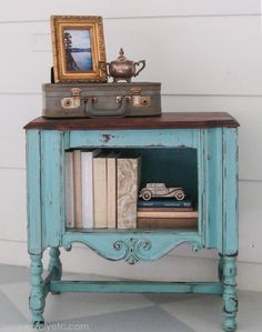The easiest way to heavily distress furniture - Lovely Etc.