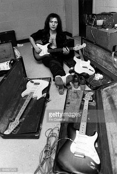 Photo of DEEP PURPLE and Ritchie BLACKMORE Portrait of Ritchie Blackmore backstage with Fender Stratocaster guitars