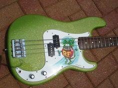 Limetreuse Metal Flake on Bass Guitar Paint