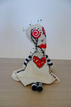 Tim burton's Voodoo girl amigurumi - by ahooka