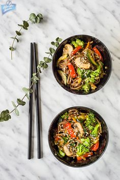 Soba z brokułem i sezamem/Broccoli and sesame soba noodles