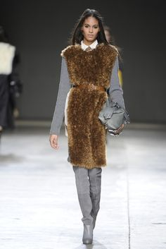 Topshop Unique RTW Fall 2014 - Slideshow - Runway, Fashion Week, Fashion Shows, Reviews and Fashion Images - WWD.com
