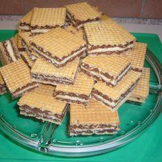 Rezept Knusperwaffeln mit Schoko/Nougat/Nuss und Hagebuttenmarmelade von Küchenzwergi - Rezept der Kategorie Backen süß