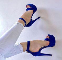 New Heels Classy Stilettos Schuhe 43 Ideen - Shoes - Hot Heels, Sexy Sandals, High Heels Stilettos, Heeled Sandals, Blue High Heels, Classy Heels, Talons Sexy, Stiletto Shoes, Platform High Heels