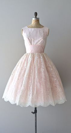 This vintage 1950s dress would look fab for bridesmaids  | The Well-Tempered Debutant