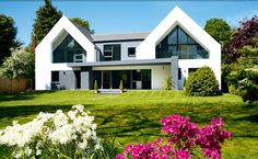 Stuart and Elmarie Ward have created an impressive contemporary family home on a budget thanks to a radical rejig of their dated bungalow Bungalow Exterior, Bungalow Renovation, Bungalows, Style At Home, Bungalow Conversion, Dormer Bungalow, House Cladding, Ranch Remodel, Exterior Remodel