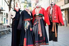 Gjør bunaden klar til fest! - Skien By Period Costumes, Folk Costume, Historical Clothing, Norway, Scandinavian, Character Design, Kimono Top, That Look, Traditional