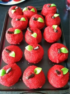 Teaching in Paradise: Monday Made it Apple Cupcakes and Centerpieces Holiday Treats, Halloween Treats, Sweet Desserts, Just Desserts, Fab Cakes, Apple Cupcakes, Thank You Teacher Gifts, Back To School Party, Cupcake Wars