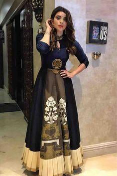 Heavy embroidery & Digital Print Top = Tapeta Silk+Dhupion Silk Inner=Silk Length= 60 Upto 44 Bust Size Flair = 3 Mtr Bottom= mtr) Price : 2100 INR Only To buy WhatsApp @ 9054562754 Lehenga Suit, Party Wear Lehenga, Party Wear Dresses, Lehenga Saree, Bollywood Saree, Anarkali Suits, Indian Gowns, Pakistani Dresses, Diwali Dresses