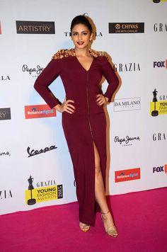 Nargis Fakhri, Huma Qureshi attended the Grazia Young Fashion Awards 2015 held at the Leela Hotel in Mumbai on Wednesday. Bollywood Girls, Bollywood Actress, Bollywood Fashion, Elegant Dresses, Nice Dresses, Oscar Fashion, Women's Fashion, Oscars Red Carpet Dresses, Huma Qureshi