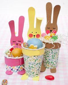 Lembrancinhas de Páscoa com Copos e Pratos | Como fazer em casa Kids Crafts, Diy And Crafts, Preschool Education, Halloween Birthday, Early Childhood, Birthdays, Bunny, Xmas, Easter