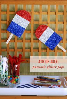 4th of July: DIY Patriotic Glitter Pops