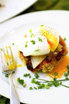 Quinoa Cakes with Poached Eggs | The Curvy Carrot Quinoa Cakes with Poached Eggs | Healthy and Indulgent Meals Dangling in Front of You