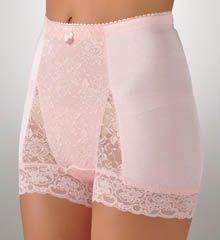 Sexy Italian lingerie site, gives me some ideas. Lingerie Sites, Sewing Lingerie, Retro Lingerie, Sheer Underwear, Vintage Underwear, Italian Lingerie, Indian Face, Lace Trim Shorts, Granny Panties