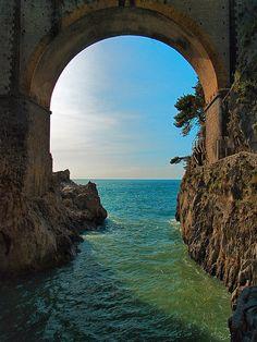 Ocean Arch, Amalfi Coast, Italy  photo via timcsi222