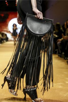 Fringe clutch at Mugler RTW Fall 2016 #PFW #handbags
