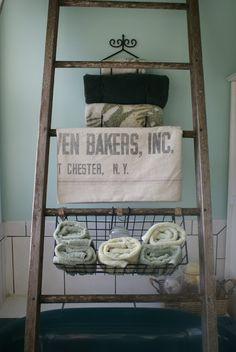 DIY Bathroom Decor: Pottery Barn Bath Storage Ladder