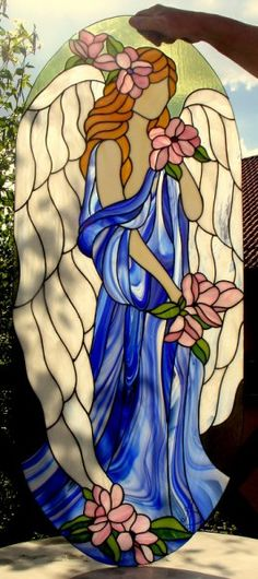 Angel stained glass window Tiffany Galeria Anna Danowska ~ Gorgeous use of glass in her gown