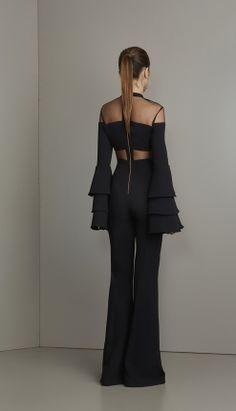 MACACÃO FLARE CREPE E TULE - MAC18393-03   Skazi, Moda feminina, roupa casual, vestidos, saias, mulher moderna