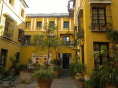 uno-de-sus-patios-andaluces.jpg (550×412)