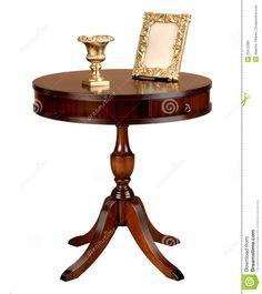mesa redonda de madera antigua imagenes de archivo imagen 19895334