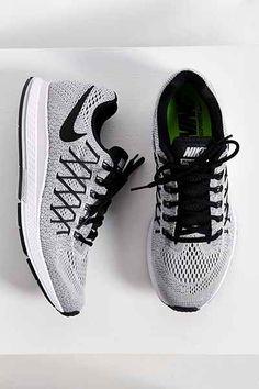Nike Air Zoom Pegasus 32 Sneaker