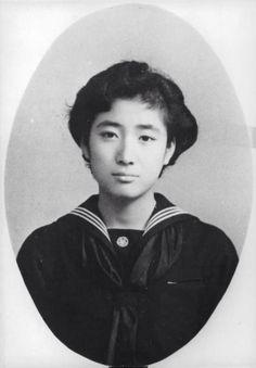 Princess Hatsuko of Japan 北白川宮肇子女王(きたしらかわのみやはつこじょおう)殿下  御歳二十歳  皇紀2619(昭和34)年 AD1959年4月撮影
