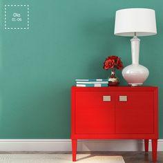La brillantez del color enaltece la sencillez del diseño. Moderno y elegante