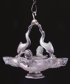 Bronze lamp. 1st century, France.