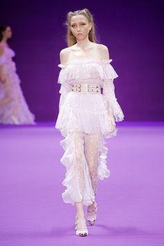 Alice McCall Sydney Fall 2018 Fashion Show Collection: See the complete Alice McCall Sydney Fall 2018 collection. Look 34 Autumn Fashion 2018, Fashion 2020, Runway Fashion, High Fashion, Fashion Outfits, Spring Fashion, Fashion Online, Women's Fashion, Fashion Trends