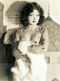Clara Bow  Catherine