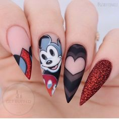 ❤️ Hey Mickey! ❤️ Inspired by my favourite artist @tdrogerson his Disney/Picasso inspired work is out of this world I made two different versions of this set, will post the other one tomorrow.. @gfa_australia gel polish @glitter_heaven_australia glitter ✨ @uglyducklingnails acrylic and matte top